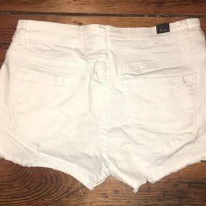 Kancan buckle denim cut off shorts